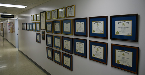 Psi O plaques